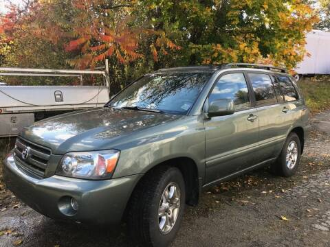 2004 Toyota Highlander for sale at Gaybrook Garage in Essex MA