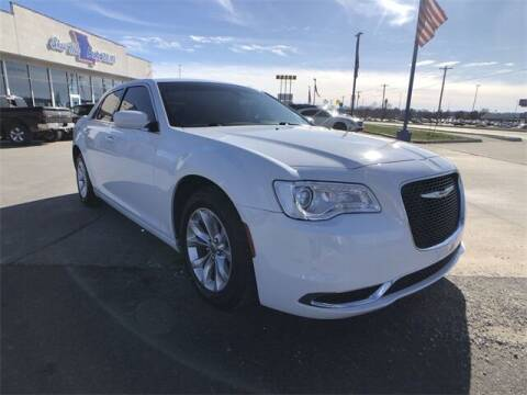 2019 Chrysler 300 for sale at Show Me Auto Mall in Harrisonville MO