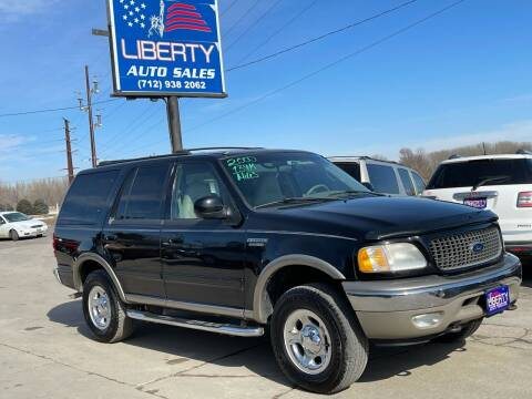 2000 Ford Expedition for sale at Liberty Auto Sales in Merrill IA