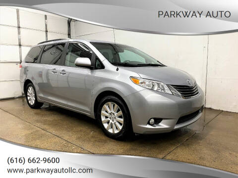 2014 Toyota Sienna for sale at PARKWAY AUTO in Hudsonville MI