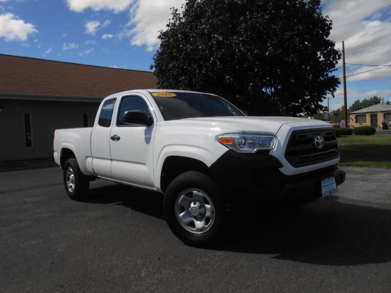 2017 Toyota Tacoma for sale at McKenna Motors in Union Gap WA