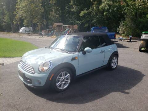 2014 MINI Convertible for sale at Topham Automotive Inc. in Middleboro MA