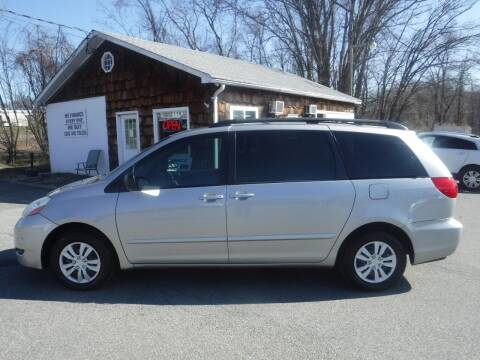 2009 Toyota Sienna for sale at Trade Zone Auto Sales in Hampton NJ