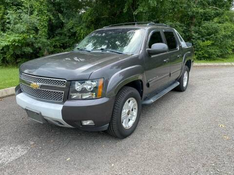 2011 Chevrolet Avalanche for sale at Unique Auto Sales in Knoxville TN