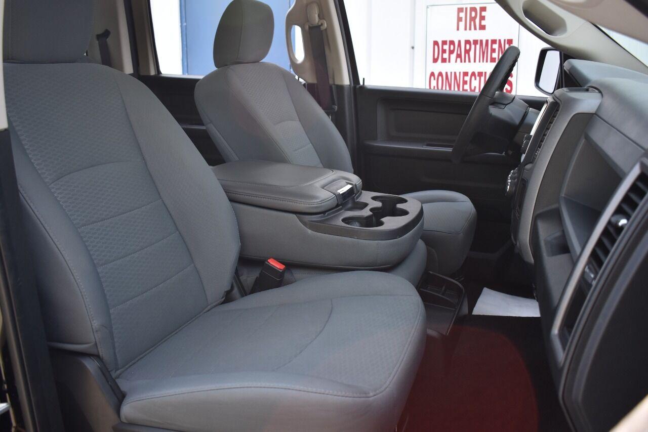 2017 RAM Ram Pickup 1500 Express 4×4 4dr Crew Cab 5.5 ft. SB Pickup full