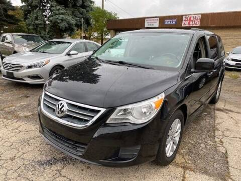 2012 Volkswagen Routan for sale at NORTH CHICAGO MOTORS INC in North Chicago IL