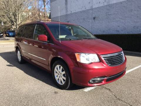 2016 Chrysler Town and Country for sale at Select Auto in Smithtown NY