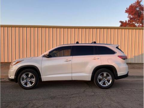 2015 Toyota Highlander for sale at Dealers Choice Inc in Farmersville CA