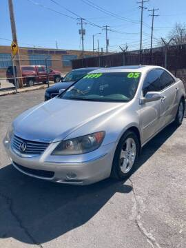 2005 Acura RL for sale at Square Business Automotive in Milwaukee WI