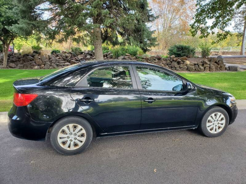2013 Kia Forte for sale at Deanas Auto Biz in Pendleton OR