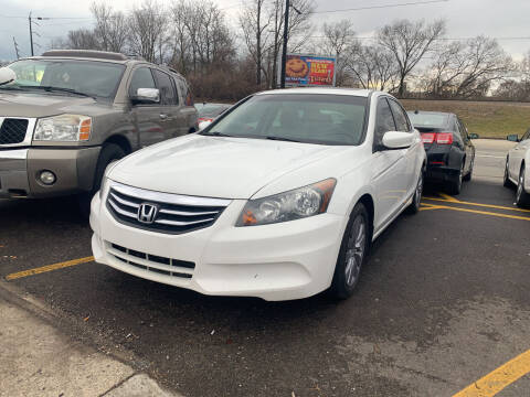 2011 Honda Accord for sale at Ideal Cars in Hamilton OH