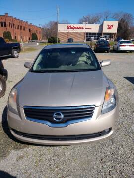 2009 Nissan Altima for sale at Delgato Auto in Pittsboro NC