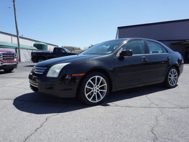 2009 Ford Fusion for sale at CHAPARRAL USED CARS in Piney Flats TN