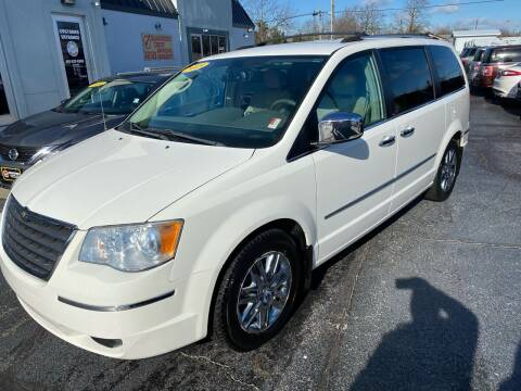 2009 Chrysler Town and Country for sale at Huggins Auto Sales in Ottawa OH