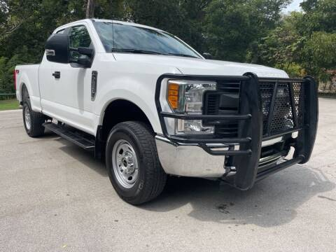 2017 Ford F-250 Super Duty for sale at Thornhill Motor Company in Lake Worth TX