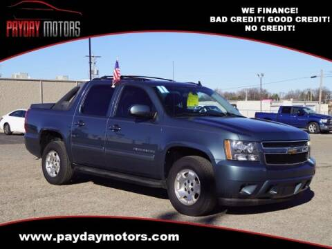 2011 Chevrolet Avalanche for sale at Payday Motors in Wichita And Topeka KS