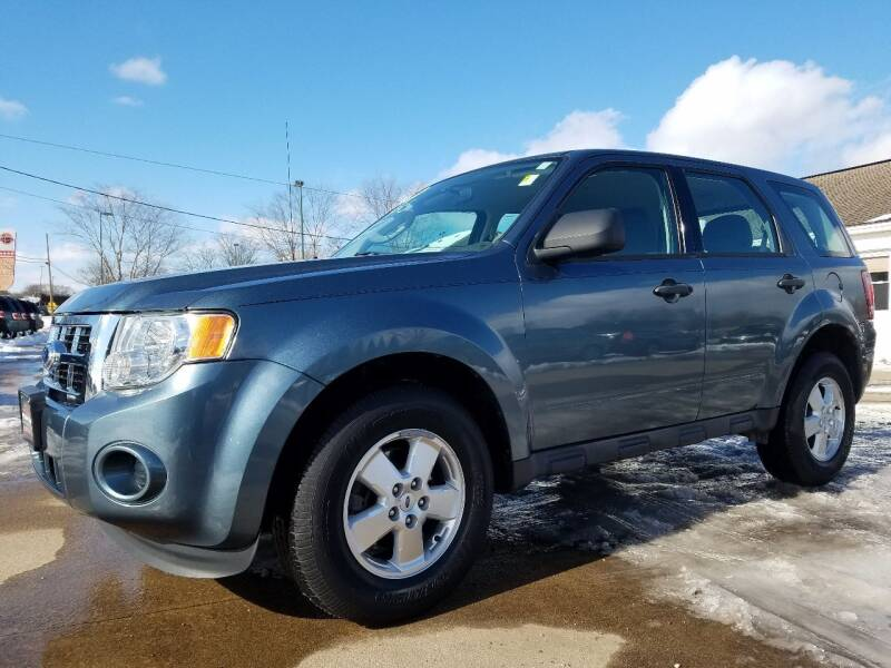 2011 Ford Escape for sale at CarNation Auto Group in Alliance OH