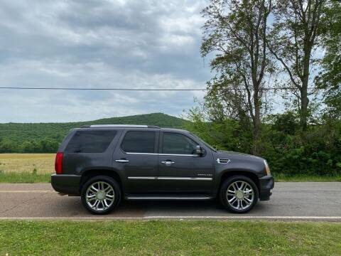 2010 Cadillac Escalade for sale at Tennessee Valley Wholesale Autos LLC in Huntsville AL