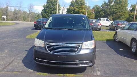 2013 Chrysler Town and Country for sale at Pool Auto Sales Inc in Spencerport NY