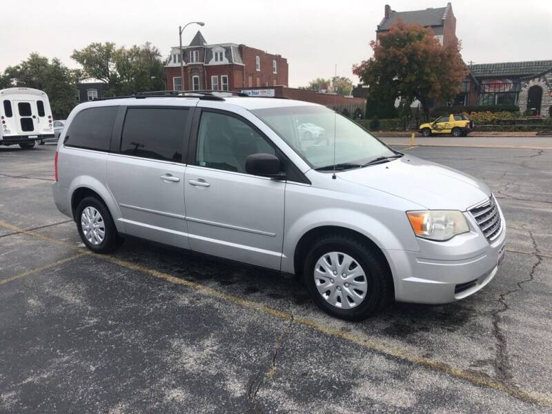 2009 Chrysler Town and Country for sale at DC Auto Sales Inc in Saint Louis MO
