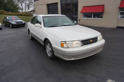 1999 Toyota Avalon for sale at I-Deal Cars LLC in York PA