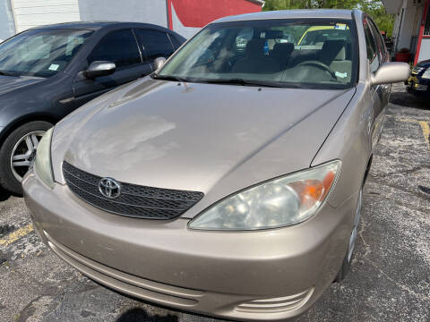 2004 Toyota Camry for sale at Best Deal Motors in Saint Charles MO
