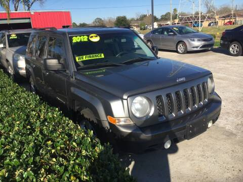 2012 Jeep Patriot for sale at PICAZO AUTO SALES in South Houston TX