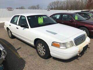 2006 Ford Crown Victoria for sale at WELLER BUDGET LOT in Grand Rapids MI