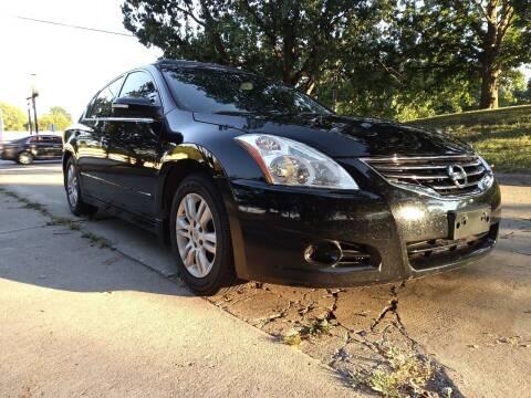 2010 Nissan Altima for sale at Crispin Auto Sales in Urbana IL