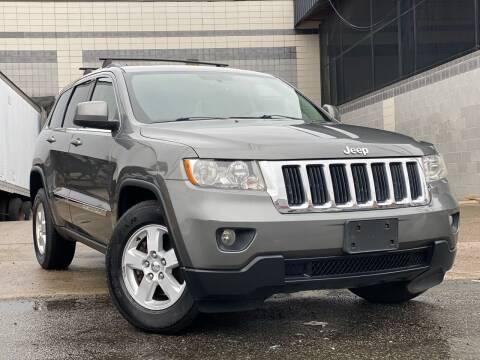 2012 Jeep Grand Cherokee for sale at Illinois Auto Sales in Paterson NJ