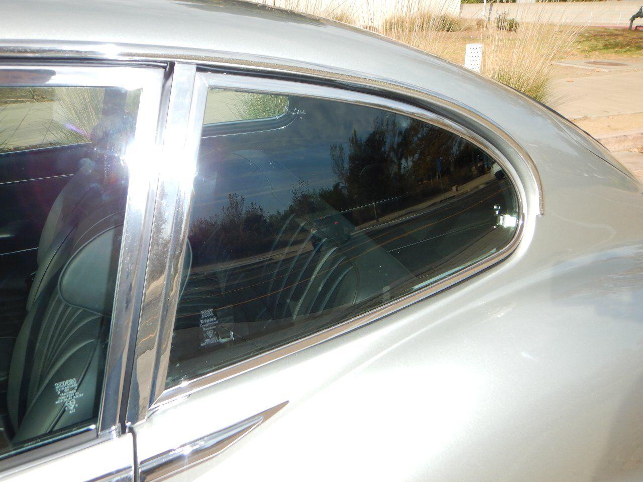 1973 Jaguar XKE 18