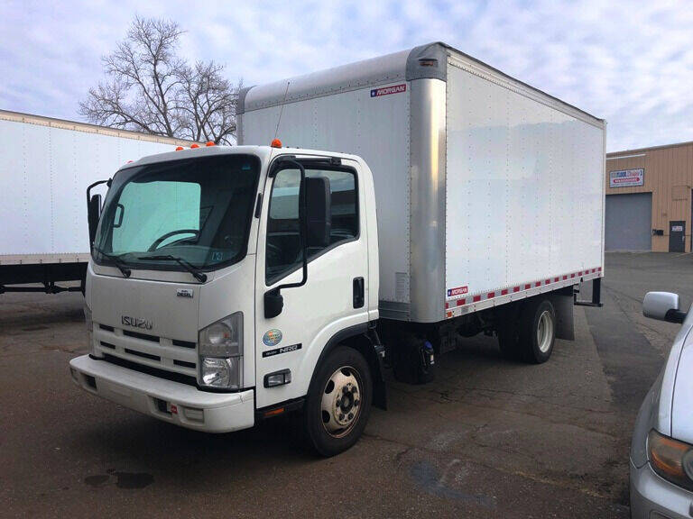 2015 Isuzu NRR  - Hartford CT