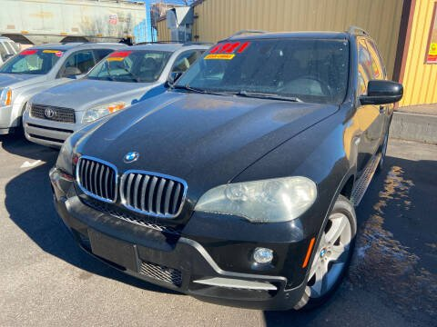 2007 BMW X5 for sale at BELOW BOOK AUTO SALES in Idaho Falls ID