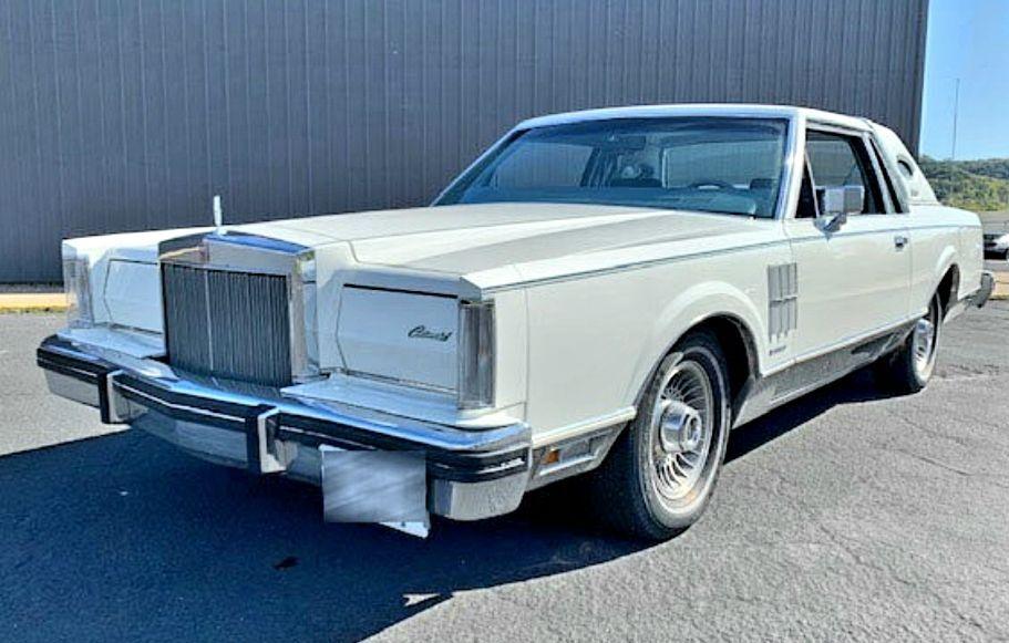 1983 Lincoln Continental 2