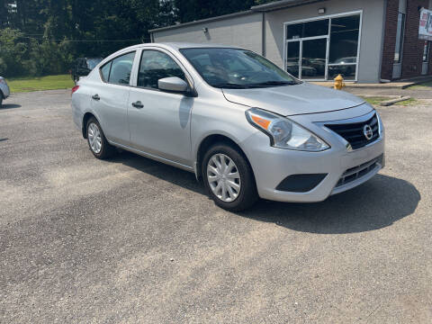 2018 Nissan Versa for sale at Auto Credit Xpress in Benton AR