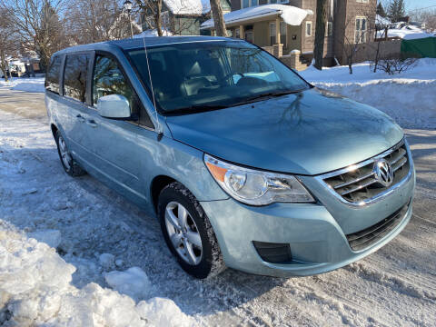 2010 Volkswagen Routan for sale at RIVER AUTO SALES CORP in Maywood IL