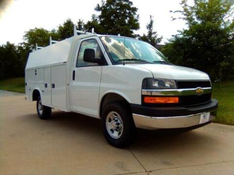 2021 Chevrolet Express Cutaway for sale at MODERN AUTO CO in Washington MO
