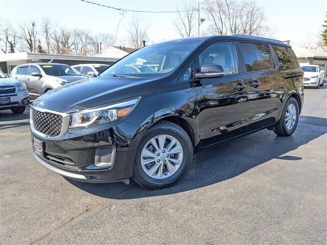 2018 Kia Sedona for sale at GAHANNA AUTO SALES in Gahanna OH