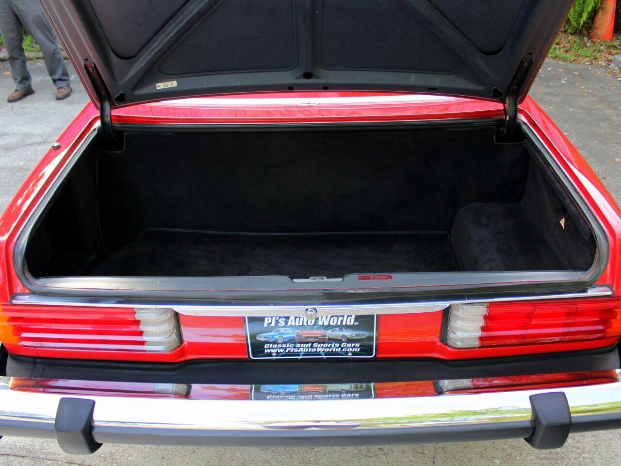 1987 Mercedes-Benz 560-Class 24