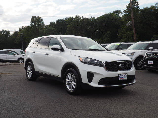 2019 Kia Sorento for sale at MAPLECREST FORD LINCOLN USED CARS in Vauxhall NJ