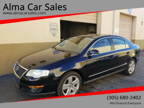 2009 Volkswagen Passat for sale at Alma Car Sales in Miami FL