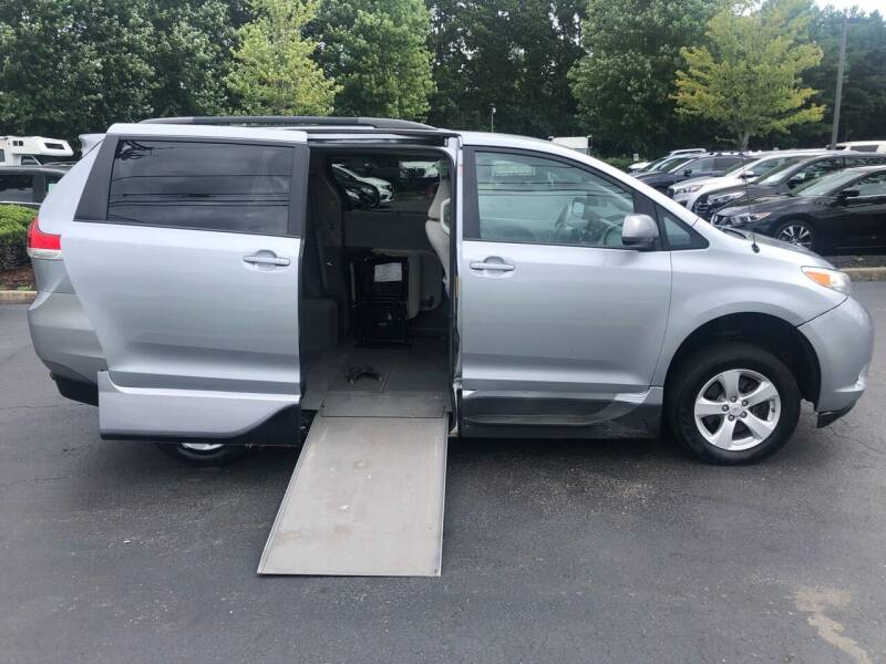 2014 Toyota Sienna for sale at iCar Auto Sales in Howell NJ