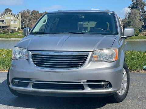 2013 Chrysler Town and Country for sale at Continental Car Sales in San Mateo CA