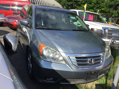 2007 Toyota Sienna for sale at Drive Deleon in Yonkers NY