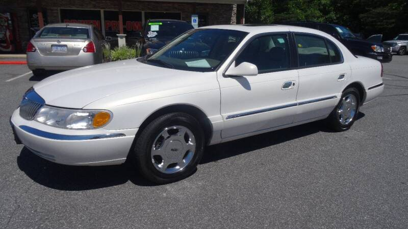 2000 Lincoln Continental for sale at Driven Pre-Owned in Lenoir NC