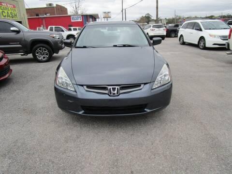 2004 Honda Accord for sale at DERIK HARE in Milton FL