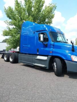 2013 Freightliner Cascadia for sale at Kull N Claude Auto Sales in Saint Cloud MN