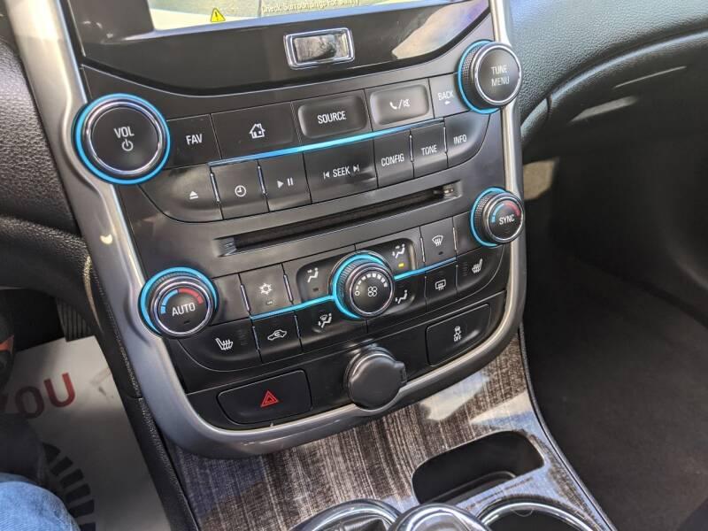 2015 Chevrolet Malibu LT 4dr Sedan w/3LT - Des Moines IA