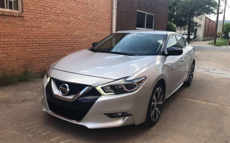 2017 Nissan Maxima for sale at Dynasty Auto in Dallas TX