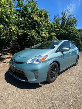 2014 Toyota Prius for sale at M AND S CAR SALES LLC in Independence OR